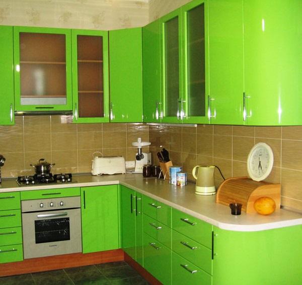 Угловая кухня с прямым углом