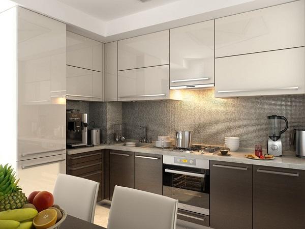 Нижние шкафчики кухни - цвета горького шоколада, верх - сливочного цвета
