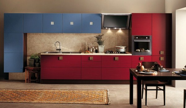 Красно-синяя кухн