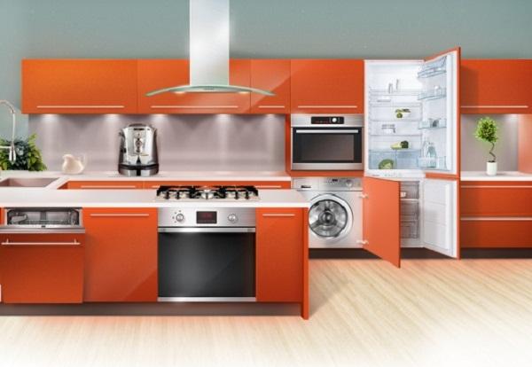Кухонный гарнитур с различной встроенной техникой