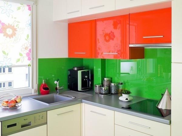 оранжево зеленая кухня