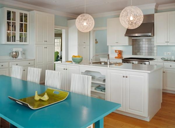 Классические светлые кухни