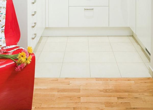 комбинированные полы на кухне