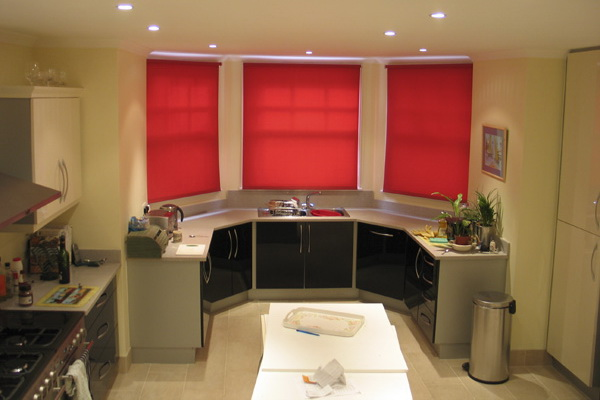 Short-Curtains-For-Kitchen_19_roller