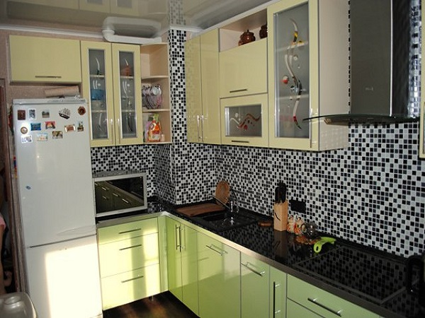 кухни с выступом в углу фото
