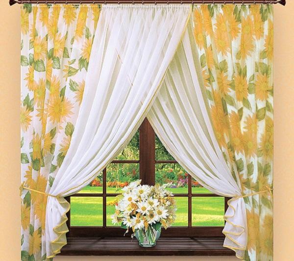 Выбираем ткань для кухонных штор: лен, органза или тюль?