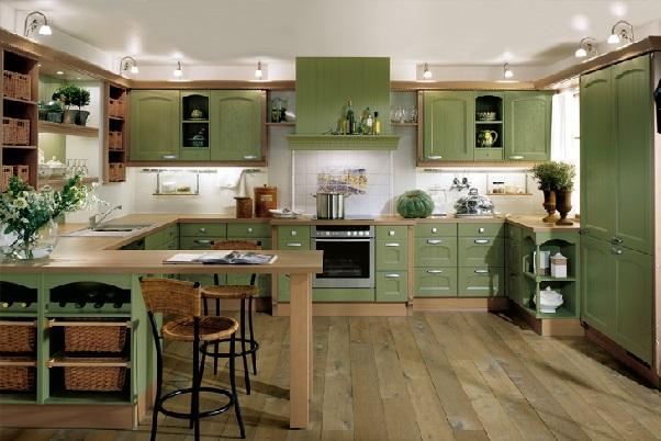 Оливковая зелень, светло-коричневые пол и стены на кухне