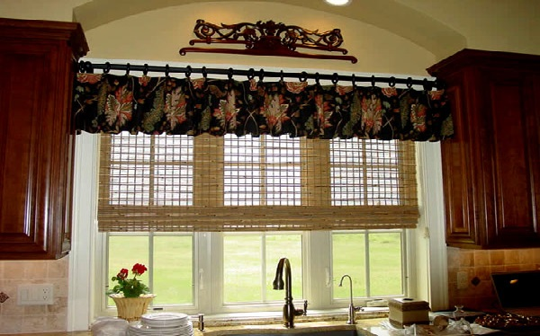 Различные варианты дизайна со шторами