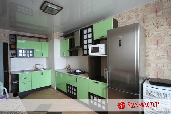 Кухня с вентиляционным коробом в углу дизайн