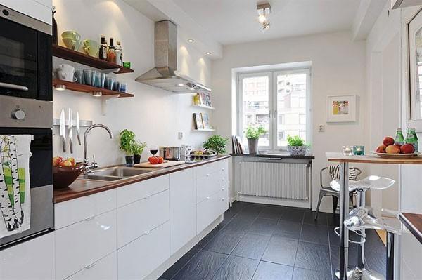 три примера интерьера белой кухни