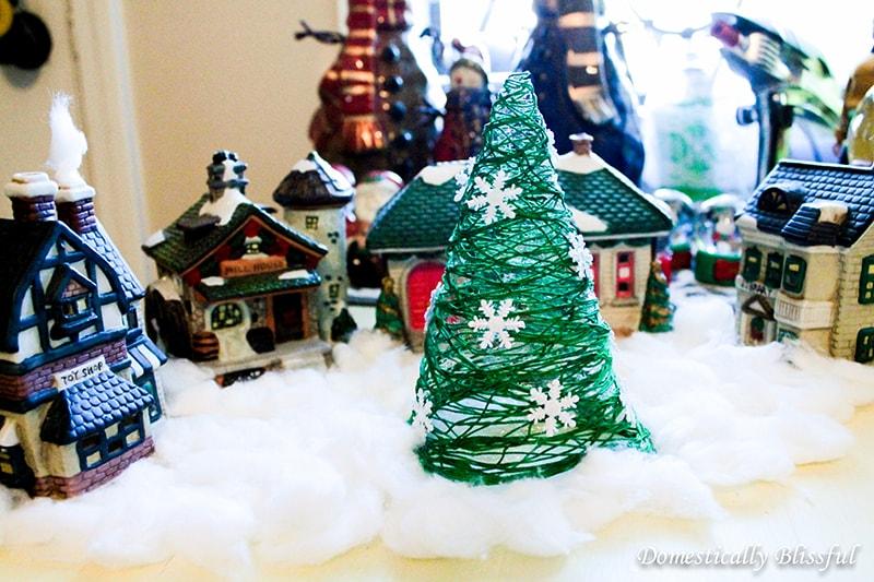 diy-christmas-tree-in-christmas2-min Елка из ниток и клея ПВА своими руками – мастер-класс